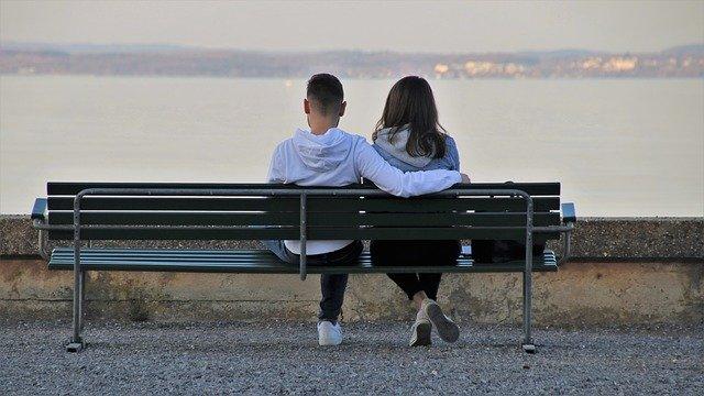 Obalanie mitów na temat randek: czytanie znaków, które ktoś cię lubi